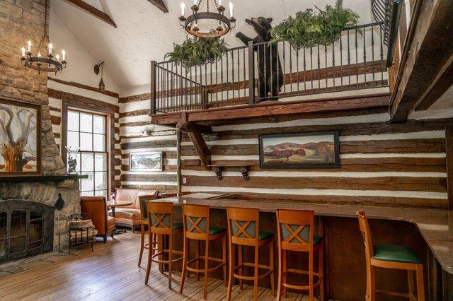Old Barn Inn Lounge 3.jpg