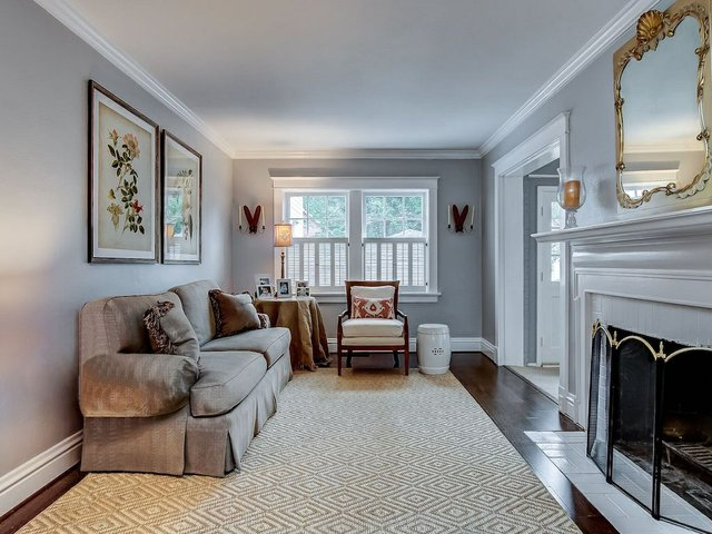 3. Living Room (No Lamp).jpeg