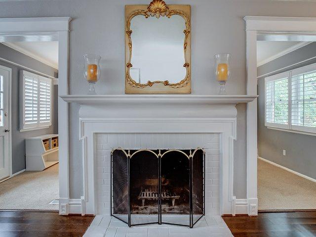 4. Living Room Fireplace.jpeg