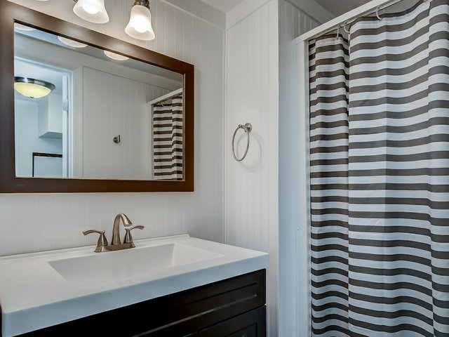 14. Bathroom Two.jpeg