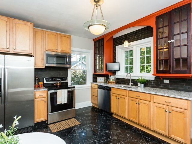 6 kitchen.jpeg
