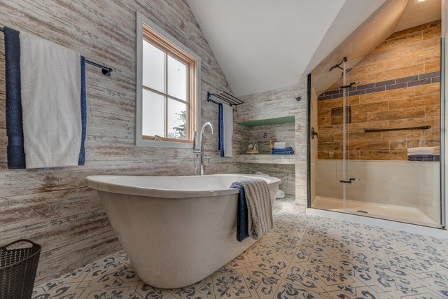 404sclarkaveferguson-11-original-bathroom.jpg