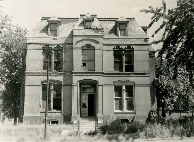 Joseph M. Schnaider Residence, 1100 Mississippi, 1958, Photograph by William Swekosky, Missouri History Museum, N03702.jpg