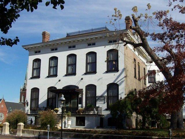 Feickert-Lemp Mansion, Photograph by Chris Naffziger.jpg