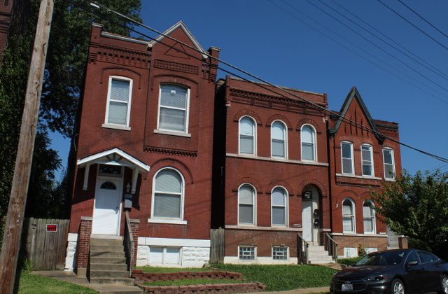 Houses along Virginia Avenue.jpg