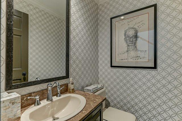 4504_Pershing_Place_St._Louis-20-original-Half_Bathroom.jpeg
