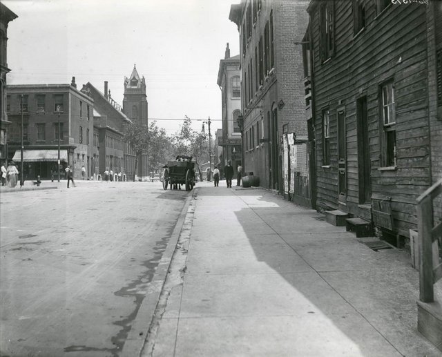 15th and Franklin, Looking North Towards Carr Park, Charles Clement Holt, c. 1910, Missouri History Museum, N07222.jpg
