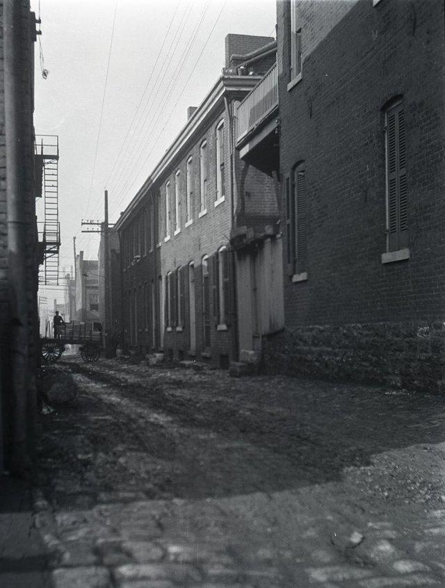 Back Alley of Carr Street, c. 1919, Missouri History Museum, P0197-S02-00114-4n.jpg