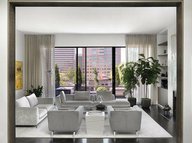 Living_Room (1).jpg