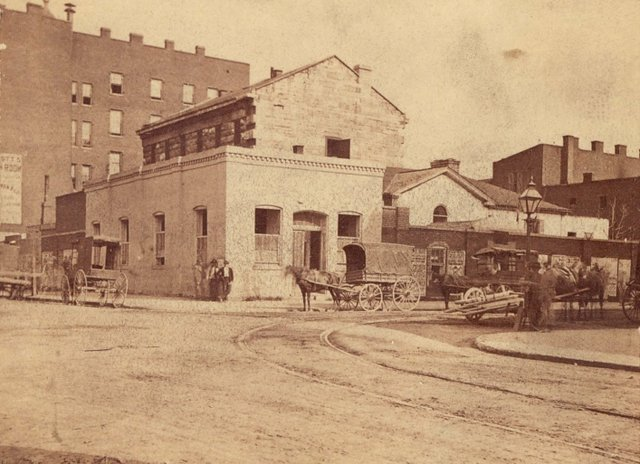 Boehl and Koenig, Old City Jail, 6th and Chestnut, 1870, Missouri History Museum, N33476.jpg