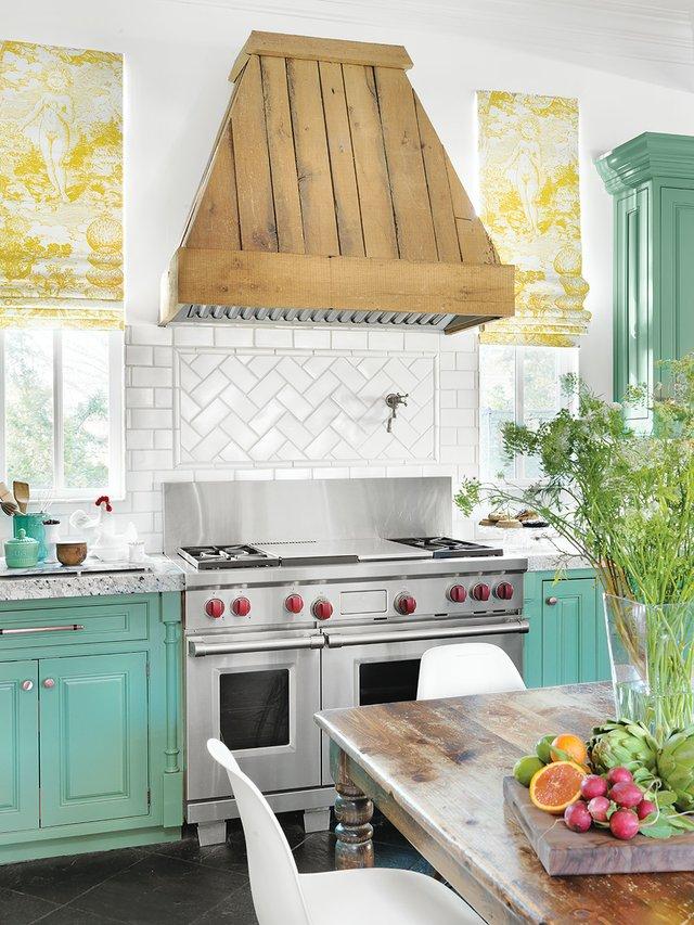 kitchen toward stove_CMYK.jpg